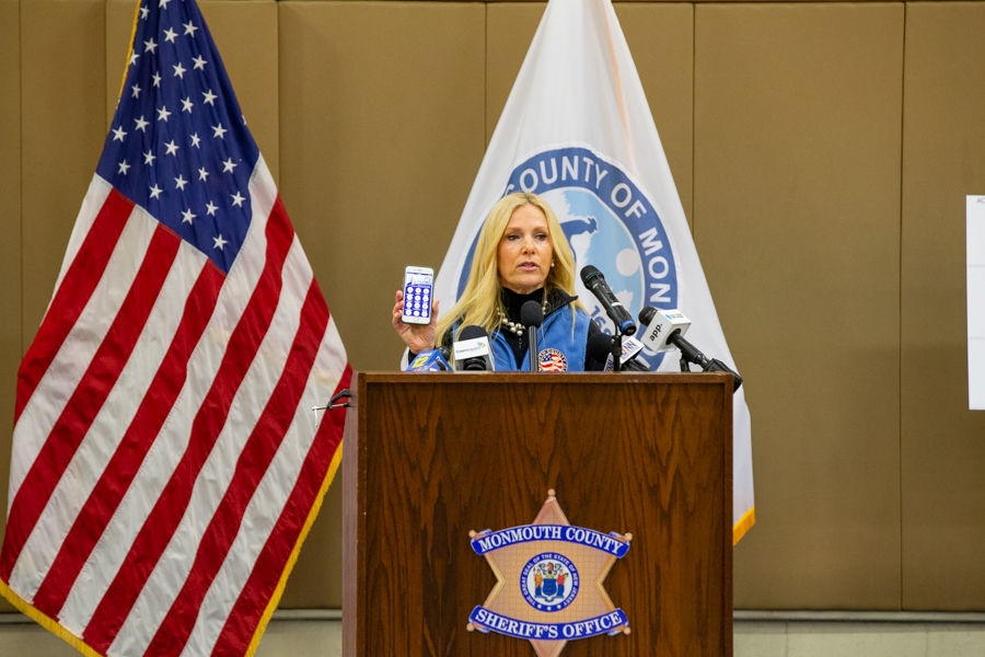 featured image for: <CENTER>COUNTY OFFICIALS ANNOUNCE MAJOR DONATION DROP OFF SITE FOR DESPERATELY NEEDED SUPPLIES; PROVIDE COVID-19 UPDATES</CENTER>
