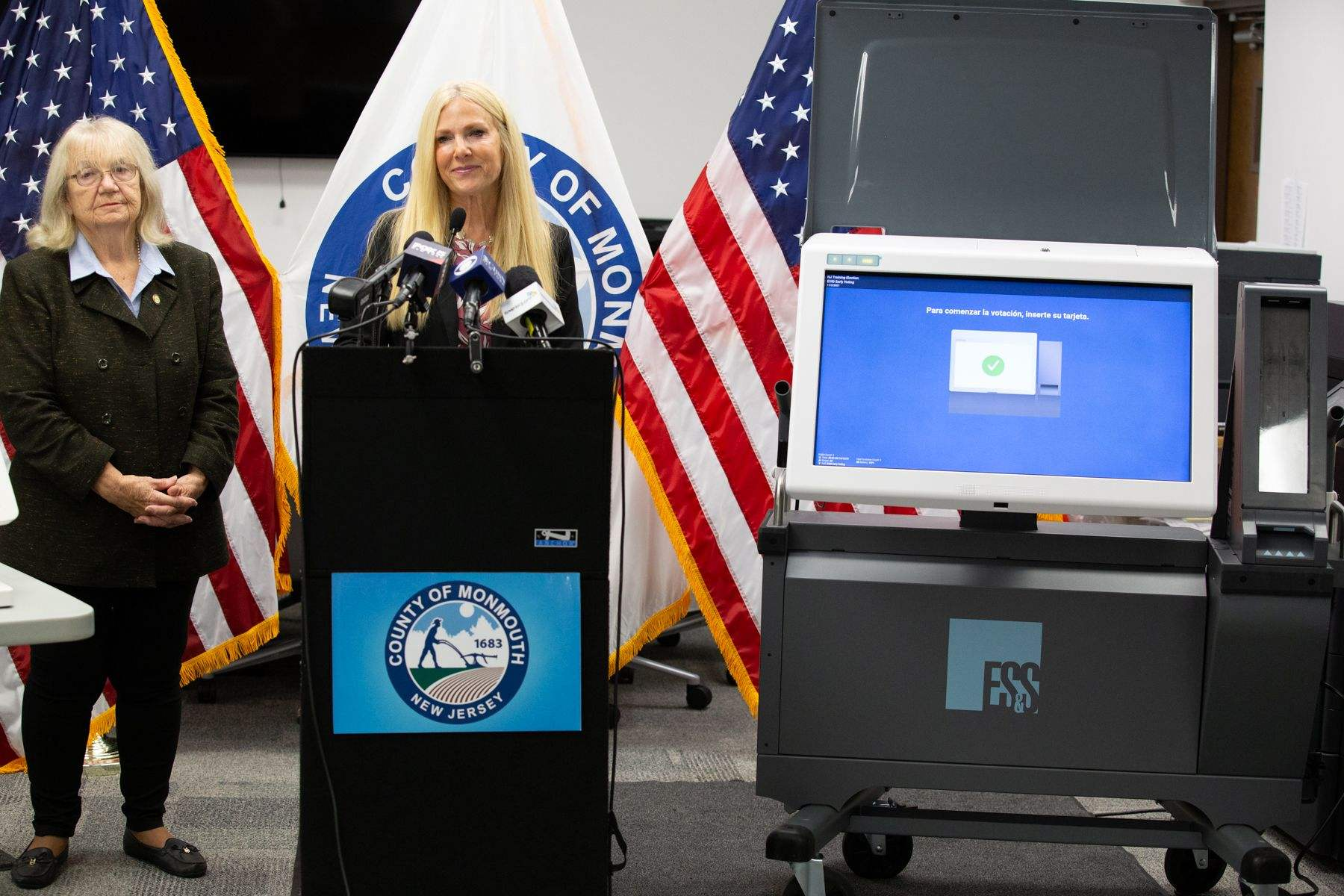 featured image for: <center>MONMOUTH COUNTY ELECTION OFFICIALS ADVISE VOTERS OF NEW EARLY IN PERSON VOTING OPTION WITH TUTORIAL OF NEW ELECTRONIC POLL BOOKS AND VOTING MACHINES FOR GENERAL ELECTION<center>